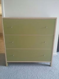 green and white wooden 3-drawer chest Ottawa, K2E 6K6