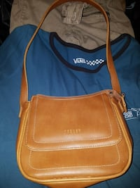 Purse never used St. Catharines, L2T 1C2