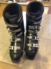 Rossignol ski boots for size 7.5 feet Vaughan, L4J 8S5