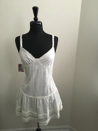 New white Flared dress size L