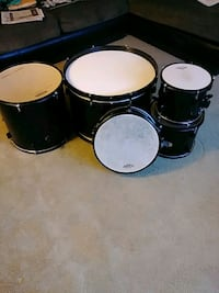 black and white drum set Chillum, 20782