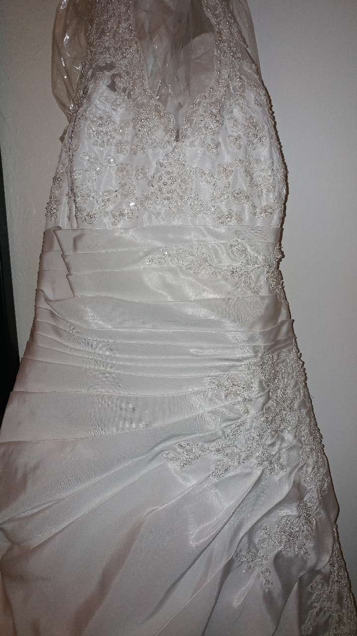 Letgo White Wedding Dress In Toledo Oh