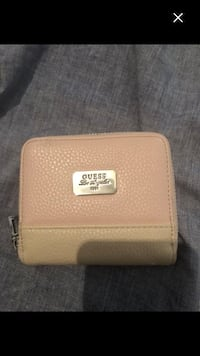 Like new guess wallet must sell 782 km