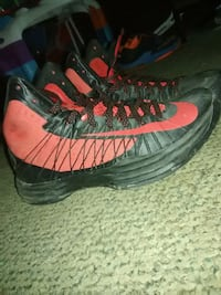 pair of black-and-red Nike basketball shoes Norcross, 30071