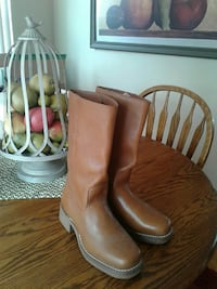 pair of brown leather boots Salinas, 93906