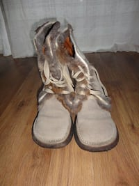 Boots , size:6