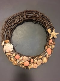 Large shell wreath