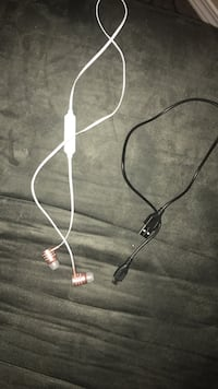 white earbuds