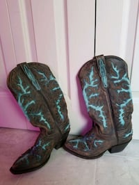 cowboy boots worn once Size 6.5 Calgary, T2J 0L8