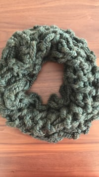 Green knit scarf Greater Vancouver, V8E