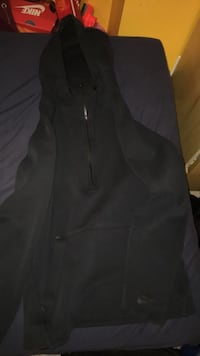 Black Nike half zip up Burnaby, V3N