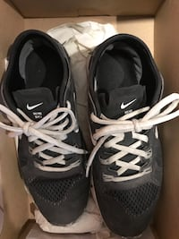 Nike running shoes 7.5 Montréal, H4B 2L7