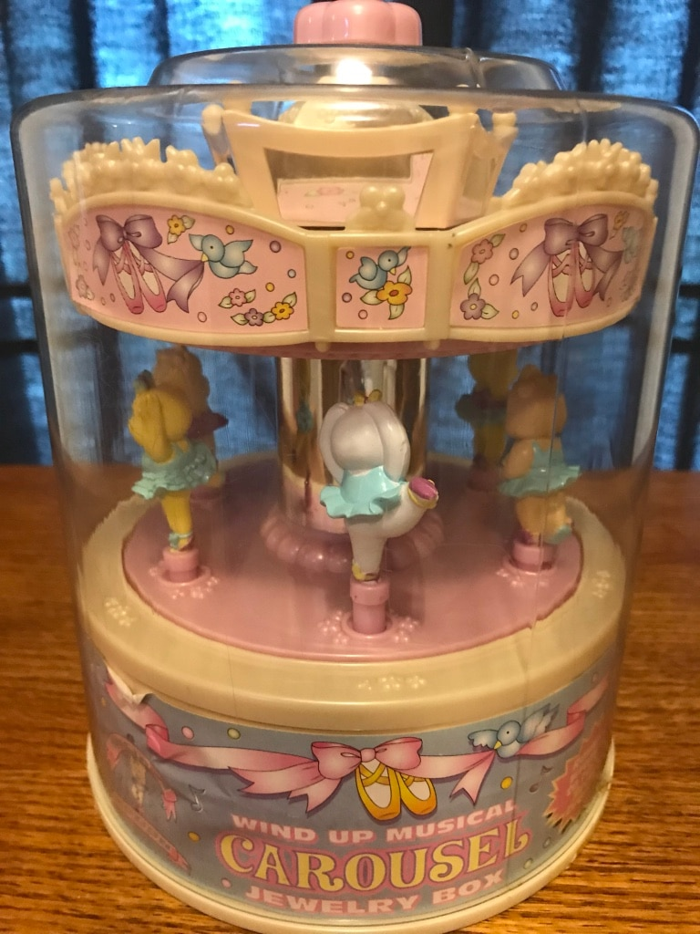 Used 1999 moose mountain toymakers wind up musical carousel jewelry