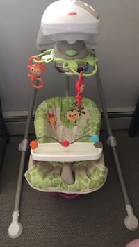 Baby's green, white, and gray fisher-price cradle 'n swing Calgary, T2Z 4Y4