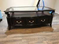 Wood coffee table & one end table  Richmond Hill, L4E 0G9