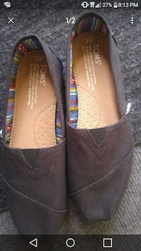 Brand new ladies Toms.  Calgary, T2K 4Y9