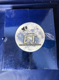 """E.T. The Extra-Terrestrial Ultimate Gift Set BNIB  For the first time ever, one of the most beloved motion pictures of all time is now the ultimate DVD experience! Hailed by Leonard Maltin as """"one of the great American films"""", this all-new version of Stev"""