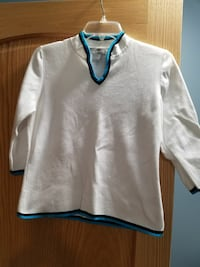 White sweater with 3/4 length sleeves