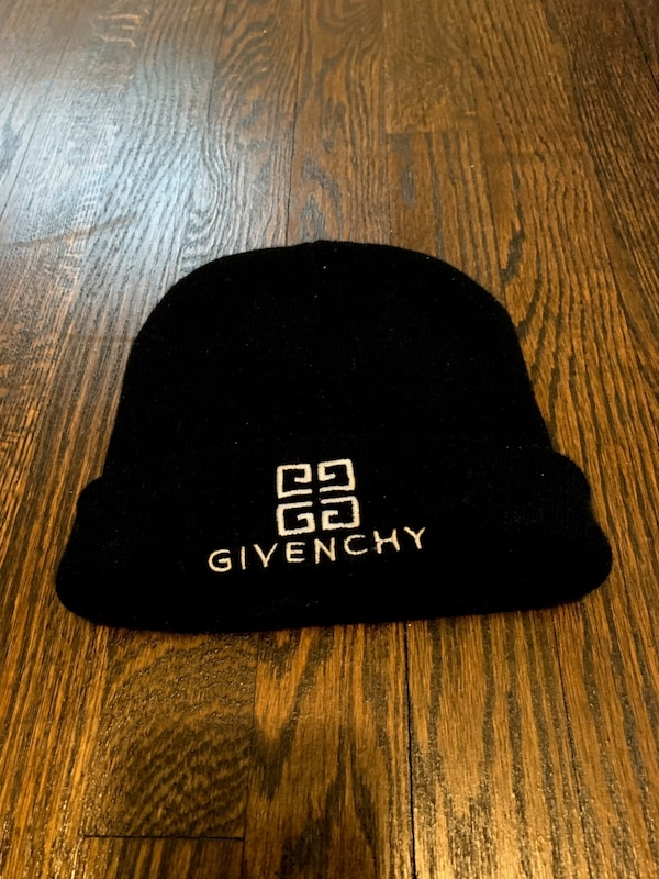a20fda2b6930d Used Givenchy Skully for sale in Decatur - letgo