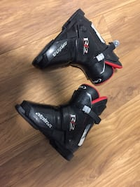 Kids ski boots size 2 New Westminster