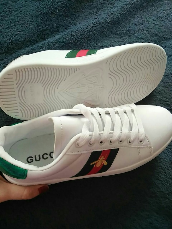 0ee7e3400 Used Women's Gucci ace bee trainers size 7 for sale in Fairhope - letgo