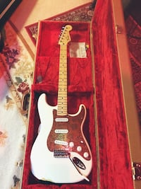 Fender Stratocaster Mexican made. Upgraded pick guard and locking tuners Manassas, 20110