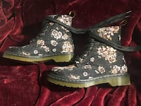 Floral Doc Martens boots size W8 Coquitlam, V3K 6Z9