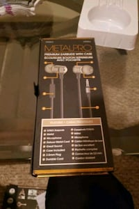 Sentry Metalpro headphones  Calgary, T3B