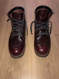 Redwings burgundy boots 7.5