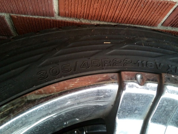 Used tire and rim s  bae1af96-0a31-410b-84d1-00cf3894b7df