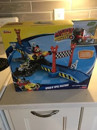 Fisher Price Mickey and the Roadster Racers Speed N Spill Raceway