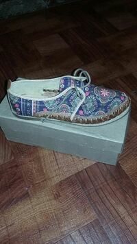 blue and white floral boat shoe Reno, 89511