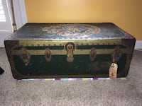Large Vintage Trunk Derwood, 20855