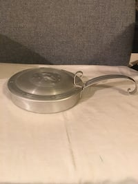 Vintage metal pan with hinged lid  16 mi