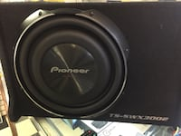 black and gray Pioneer subwoofer 536 km