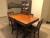 Vintage 1940's Dining Room Set.  Table + 6 chairs plus China Cabinet.   Pick up in Somerset.   Matching Buffet also available Calgary, T2X 1L9