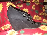 Pair of black suede wedge shoes Montgomery Village, 20886