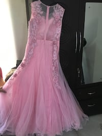 Beautiful pink floral gown (never worn) 2290 mi