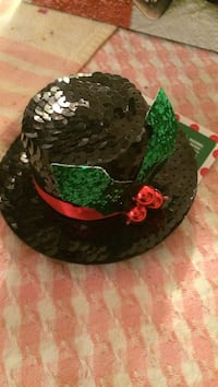 Sequined frosty hat hair clip new
