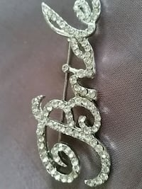 BROACH WITH STONES DIAMONDS.  Oshawa, L1K 0B9