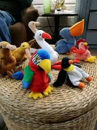 assorted color of plush toys Galena, 66739
