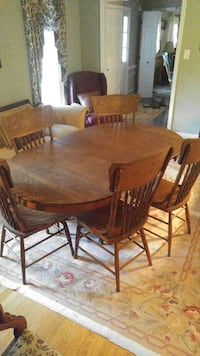 Antique Oak Diner Room Table and Chairs Chester, 23831