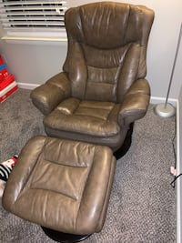 Chair and ottoman set (leather) Rockville, 20851