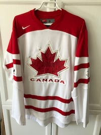 Ni-ke - Canada Jersey - Mens Size Small (or Womens medium/large) Whitby