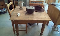 brown wooden table with two chairs Longueuil, J4H 2V3