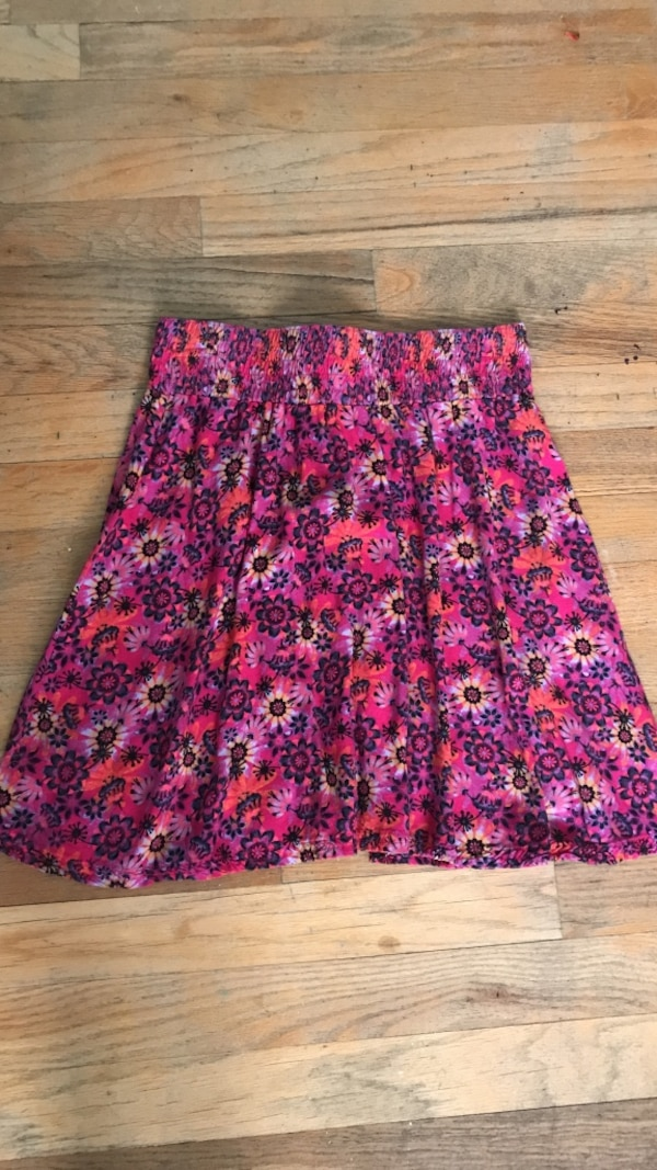 f4cad8584f Used pink, black, and white floral mini skirt for sale in Yorktown ...