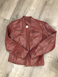 REAL leather jacket! Barely worn! Colour is something between burgundy/brown. Size S (0-2) London, N5X 2A5