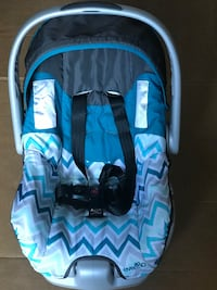 Evenflo car seat with bottom  Wethersfield, 06109