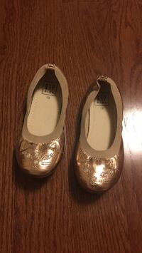 Girls flats shoes - size 13 Mississauga, L4Z 0B4