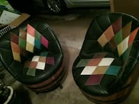 Vintage whiskey barrel swivel chairs and table West Milford, 07421
